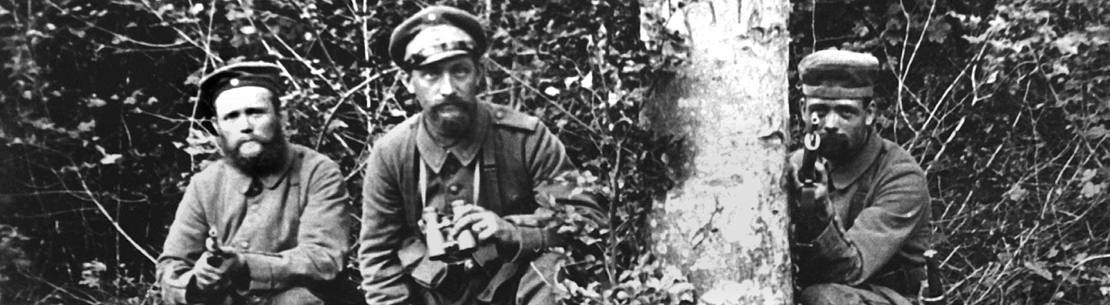 Deutsche Soldaten an der Westfront 1915.