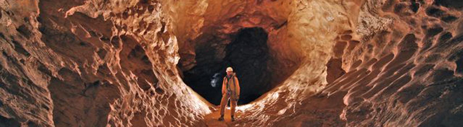Haupteingang der Höhle in 830 Meter Tiefe