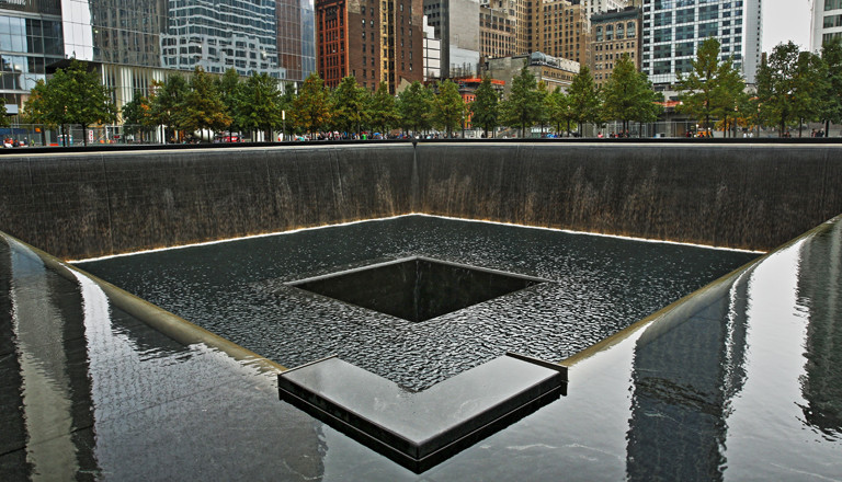 Das 9/11-Memorial am Ground Zero in New York