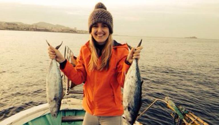 Caro auf dem Meer beim Fischfang.