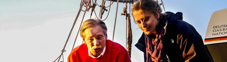 Ballonpilot Wilhelm Eimers mit Reporterin Änne Seidel.