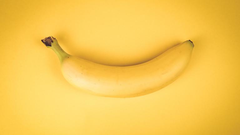 Banane aus Kunstwerk aufgegessen