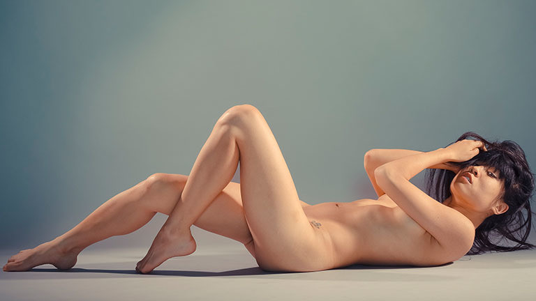 Lena Chen posiert nackt