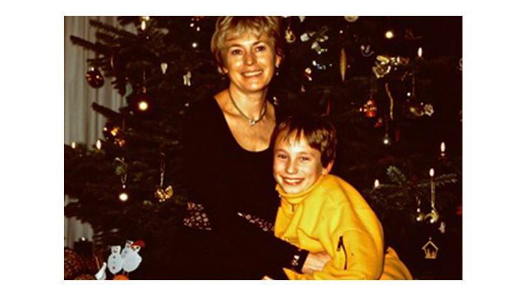 Anne und ihr Sohn Sven an Weihnachten