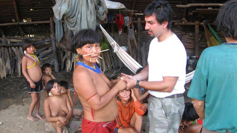 David Good trifft nach 20 Jahren seine Mutter bei den Yanomami wieder