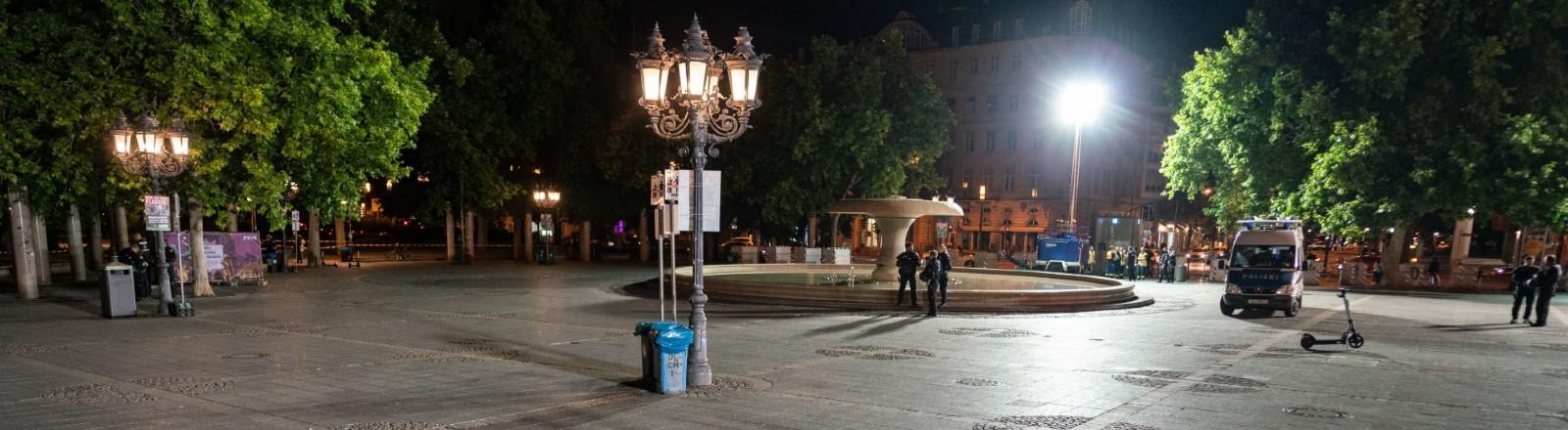 Der Opernplatz in Frankfurt, nachdem er in der Nacht vom 18. Juli geräumt wurde.