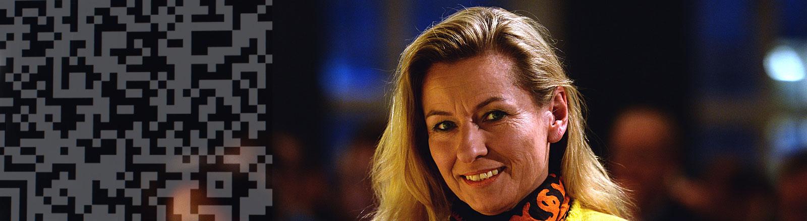 Alexandra Thein, FDP-Politikerin, links im Bild QR-Code als Overlay