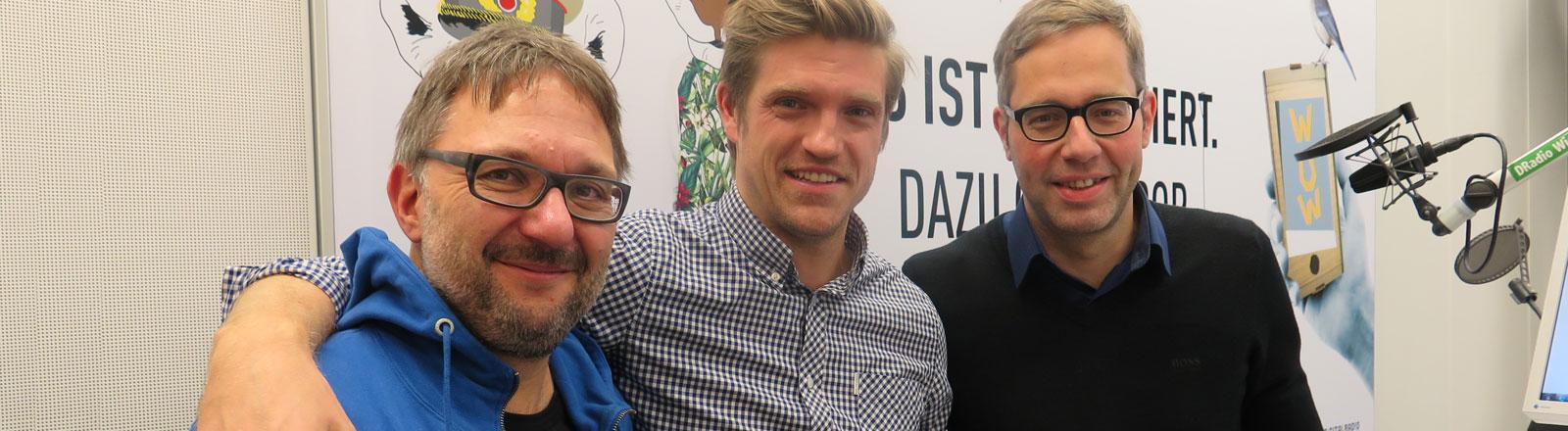 11-Freunde-Redakteure Philipp Köster und Jens Kirschneck bei Endlich Samstag
