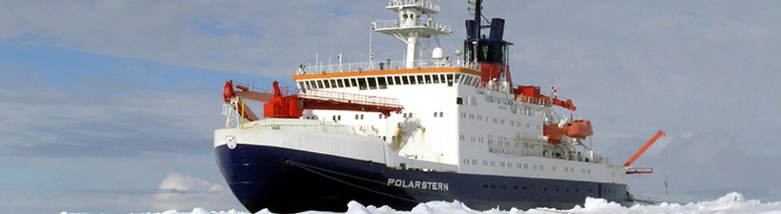 Forschungsschiff Polarstern in der Antarktis