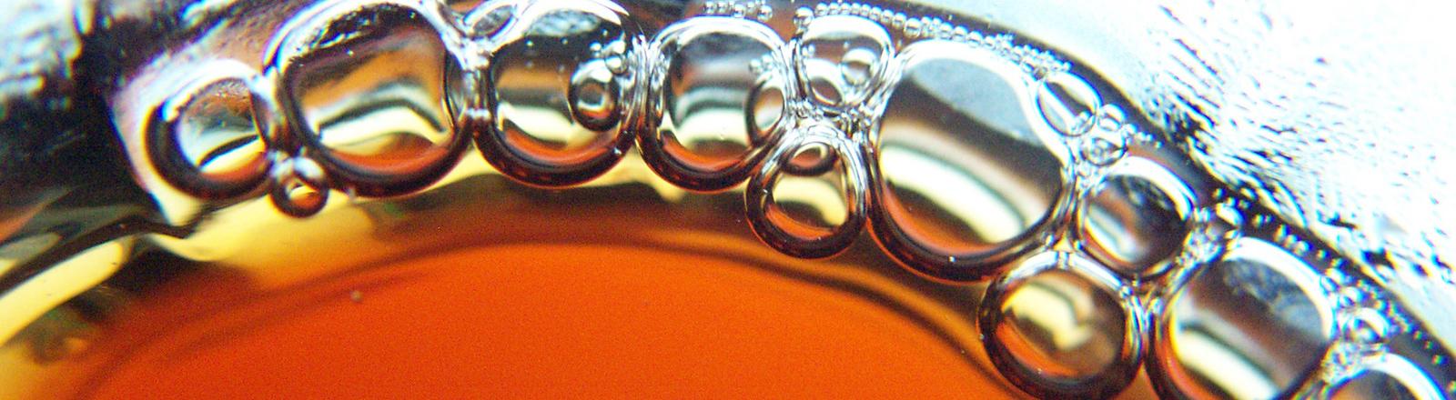 Cola mit Luftblasen