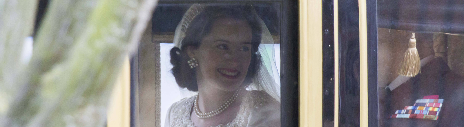 "Claire Foy als Königin Elisabeth II. in der Netzflix-Serie ""The Crown"""