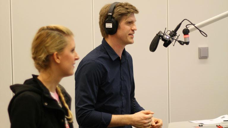 Moderator Thilo Jahn und Tanzschülerin Jane Ebel im Studio.