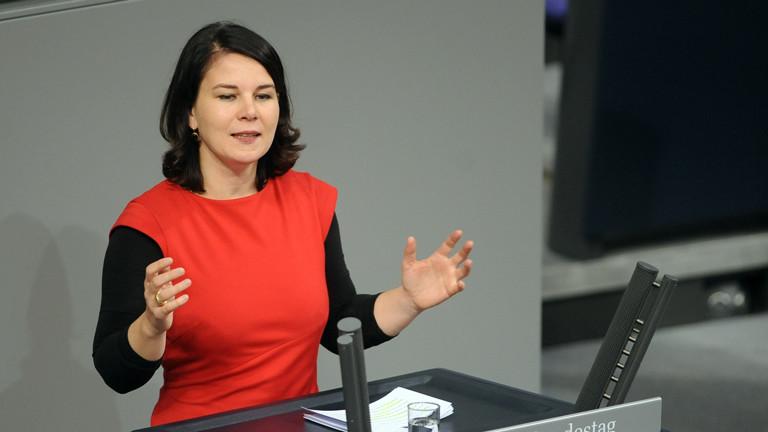 Die Bundestagsabgeordnete Annalena Baerbock (Bündnis 90/Die Grünen) 2014 im Bundestag.