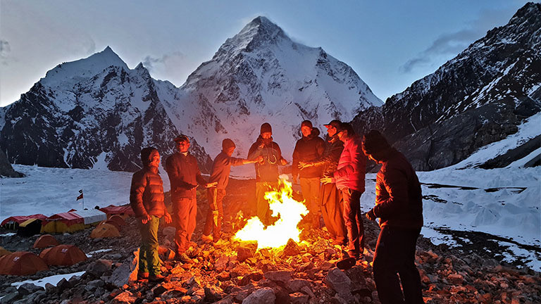 Lagerfeuer am Basislagers am Broad Peak