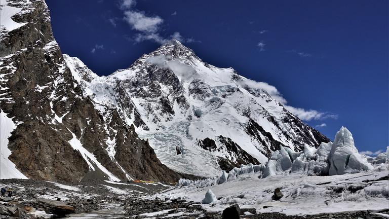 Sicht auf das Basislager am K2