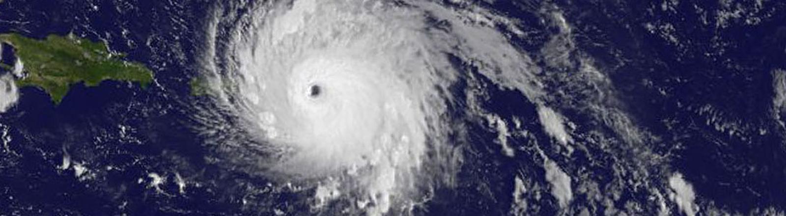 Satellitenaufnahme eines Sturms