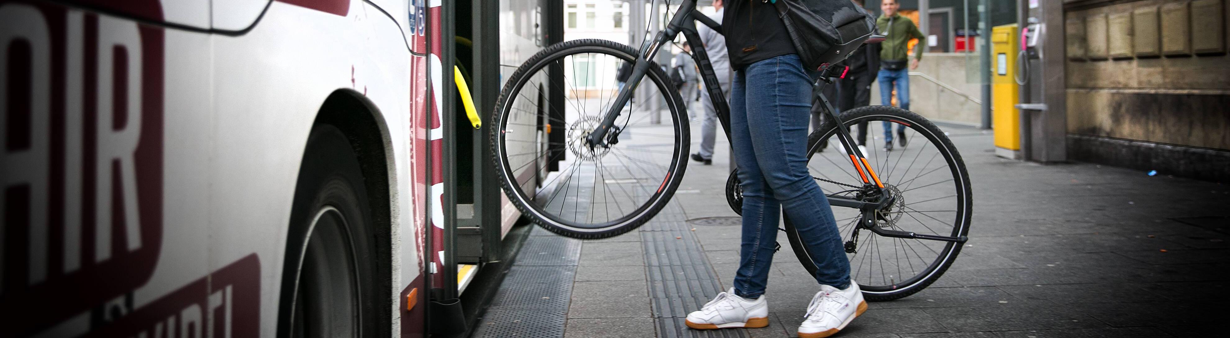 Fahrradmitnahme in Bussen ab 18.30 Uhr in der Stadt Esslingen.
