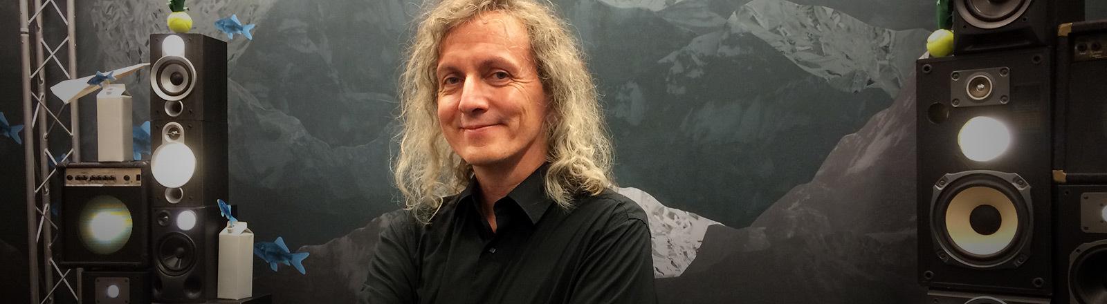 Parfümeur Uwe Manasse im Deutschlandfunk-Nova-Studio