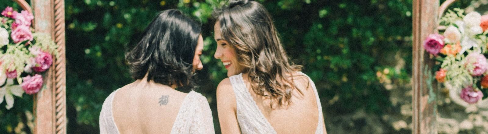 Zwei Frauen heiraten