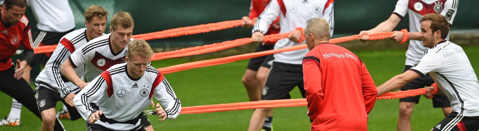 Die DFB-Kicker beim Training