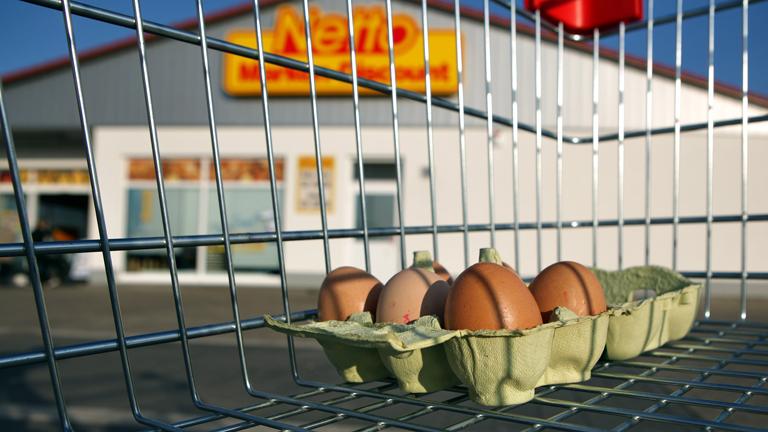 Eier im Einkaufswagen