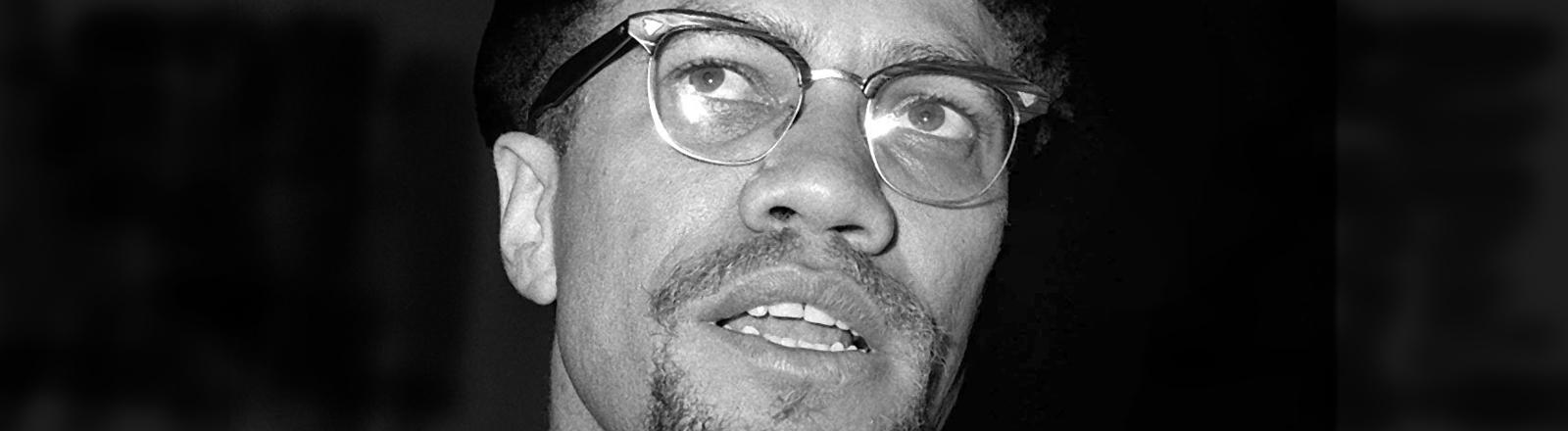 Malcom Little alias Malcom X war ein amerikanischer Bürgerrechtler der 1967 die Organization of Afro-American Unity gründete.