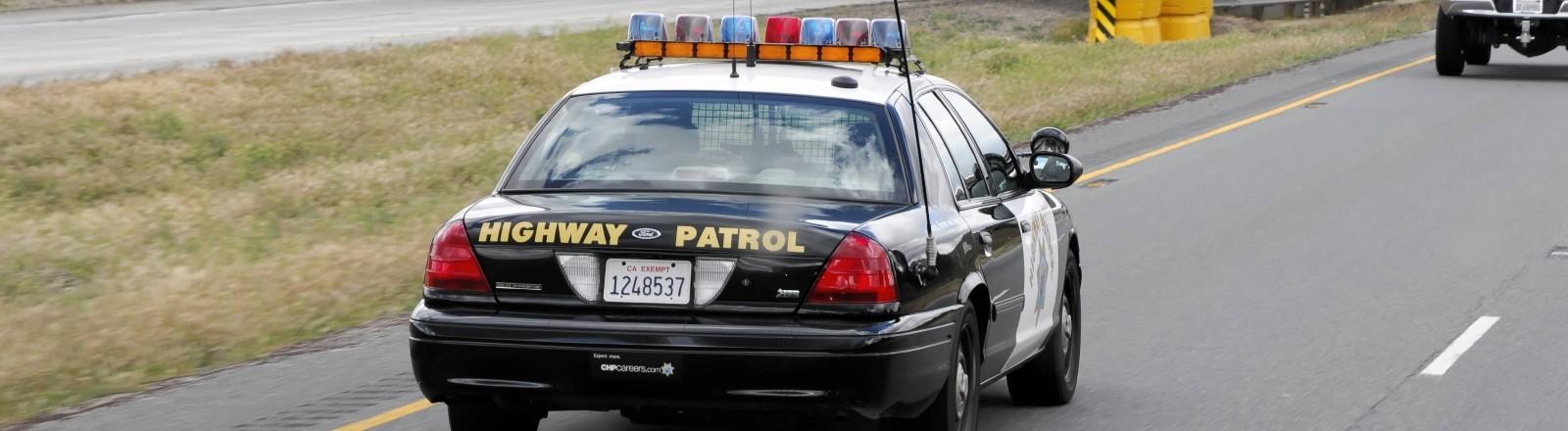 Ein Auto der Highway Patrol in den USA.