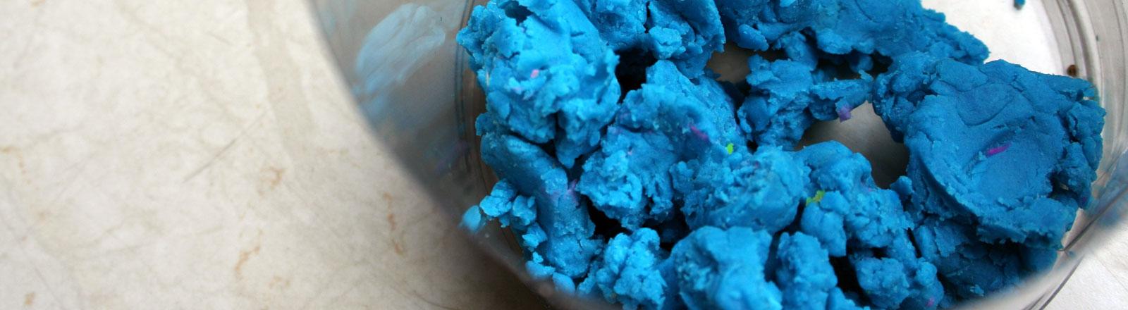 Blaue Knete