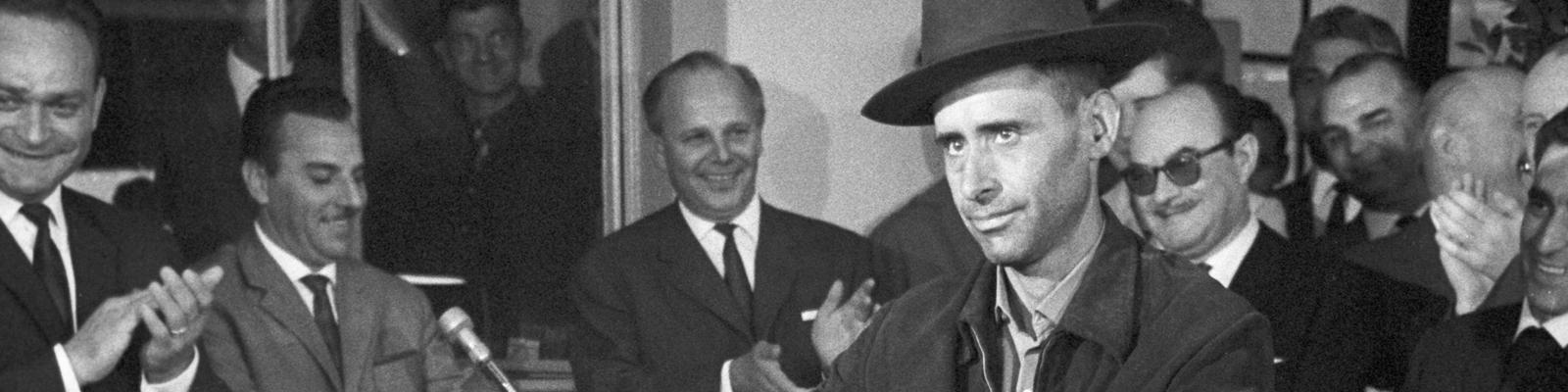 Armando Rodrigues ist der millionste Gastarbeiter der am 10.09.1964 in Köln begrüßt wurde.