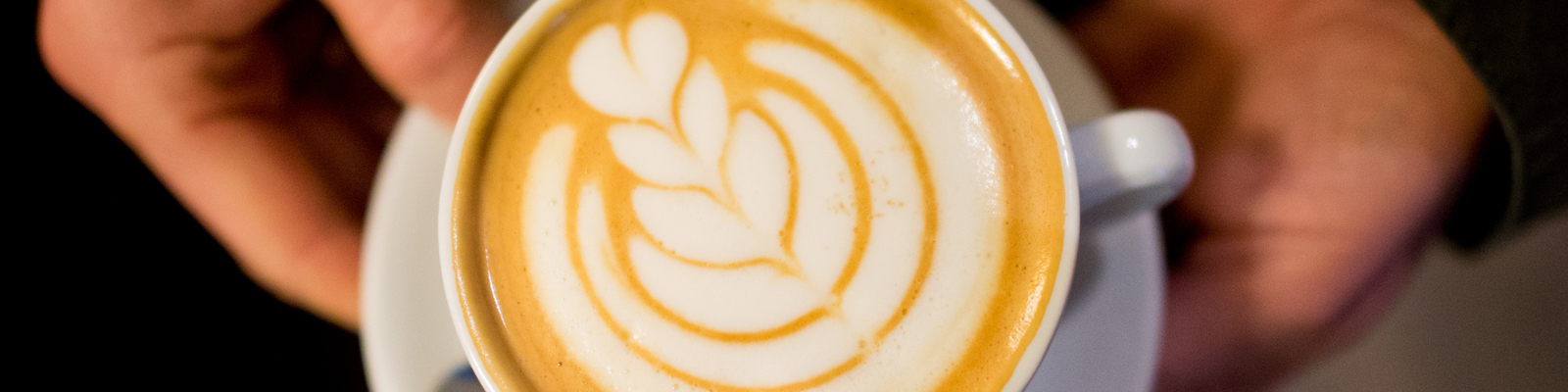 Ein laktosefreier, mit Sojamilch zubereiteter Cappuccino