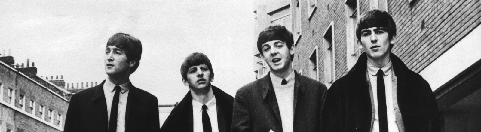 Die Beatles (von links nach rechts) John Lennon, Ringo Starr, Paul McCartney und George Harrison 1963 in London.