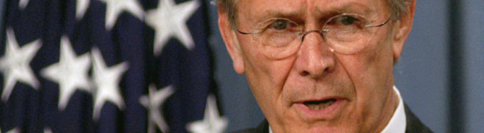 """""""Das alte Europa"""" ist das Wort des Jahres 2003. Der ursprünglich polemisch gemeinte Ausdruck von US- Verteidigungsminister Donald Rumsfeld habe den Sprachgebrauch geprägt"""
