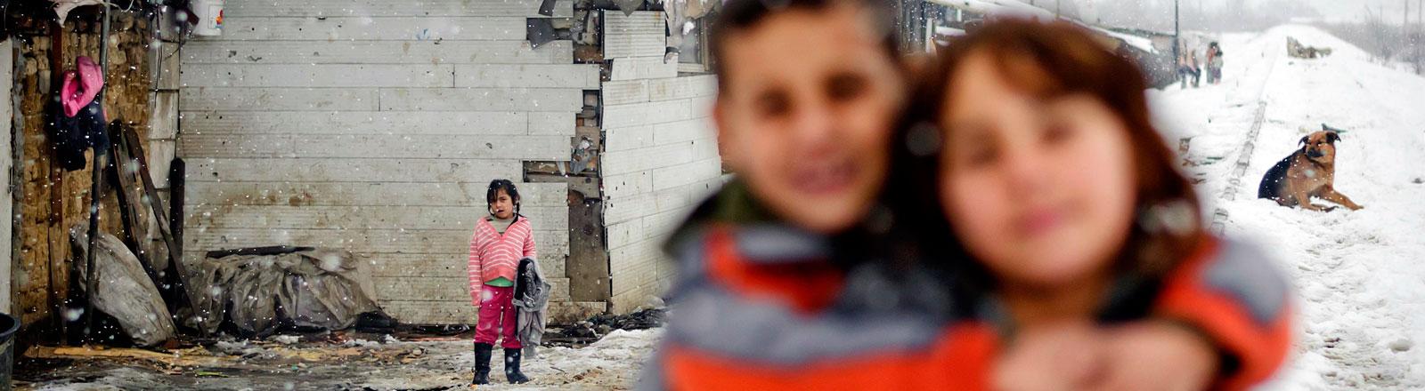 Rumänische Romakinder in einem Slum