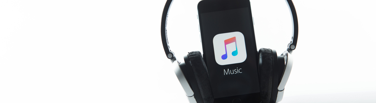 Apple Music startet am 30.06.2015.
