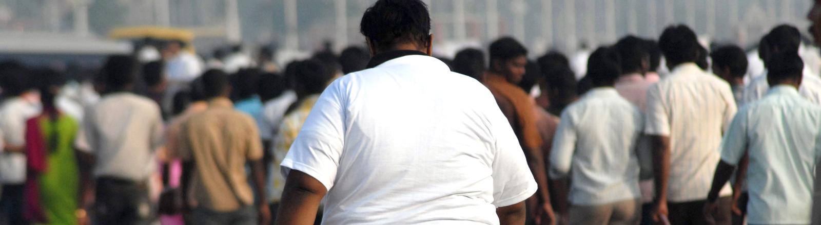 Ein übergewichtiger Inder