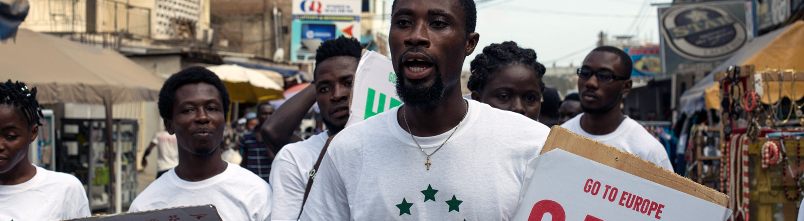 Junge Ghanaer engagieren sich im Projekt Resc EU.