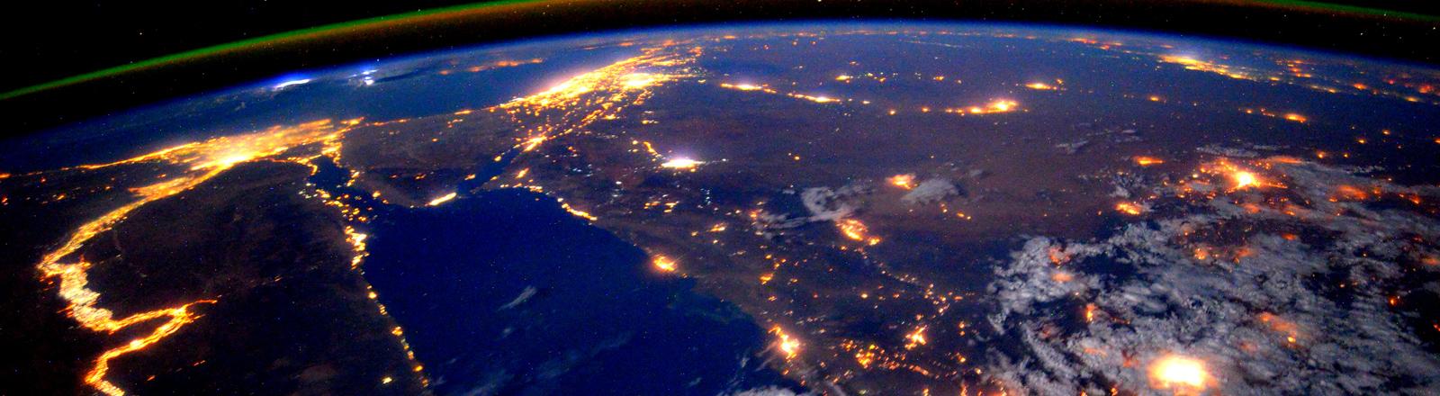 Das Nildelta bei Nacht