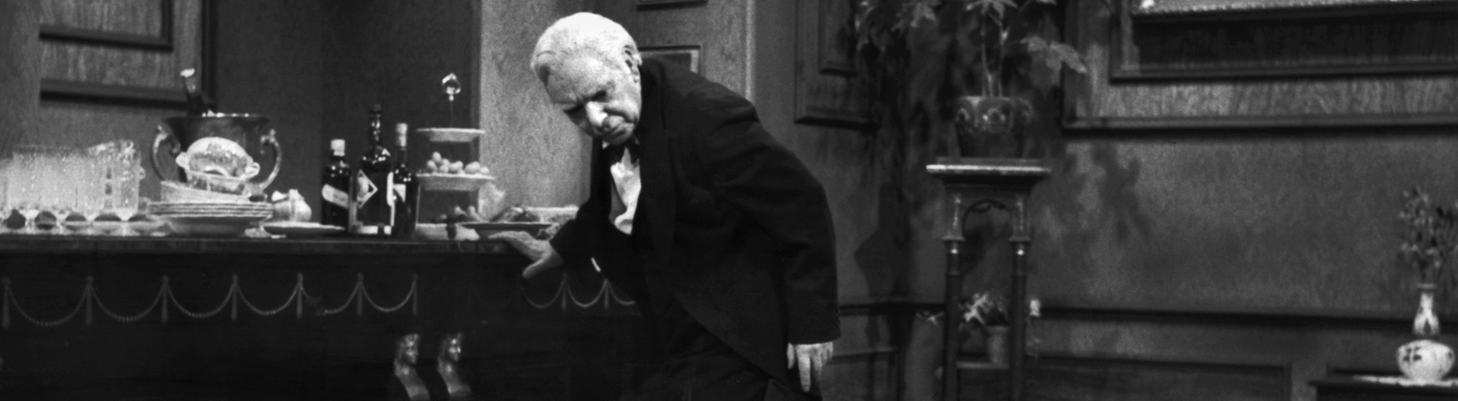 "Freddie Frinton spielt den Butler James in ""Dinner for One""."