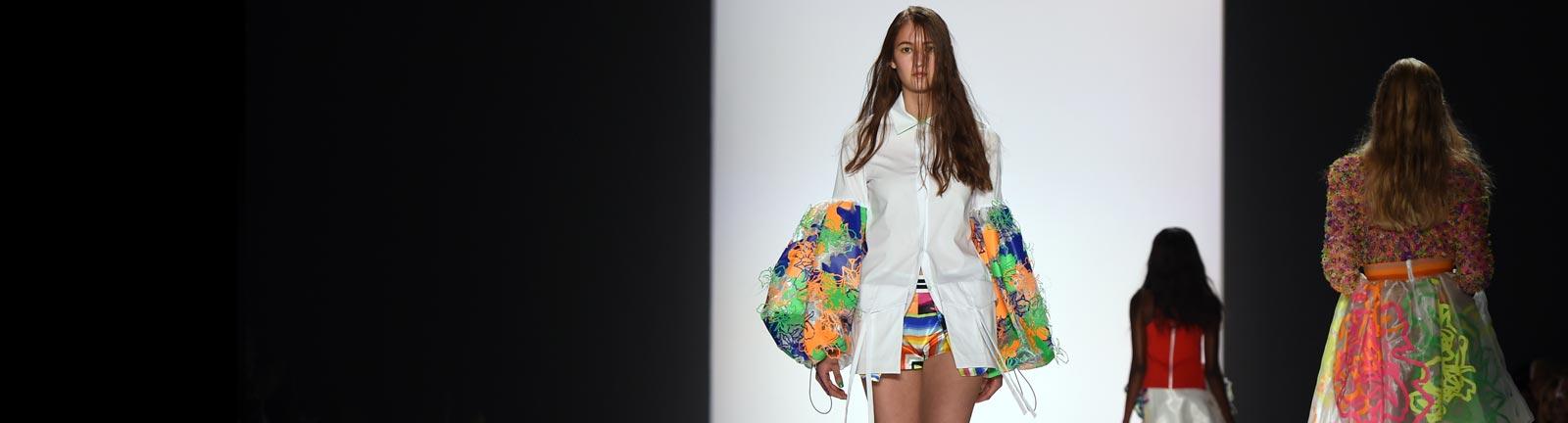 Die Modetrends für Frühjahr/ Sommer 2016 wurden auf der Belrin Fashion Week vorgestellt.
