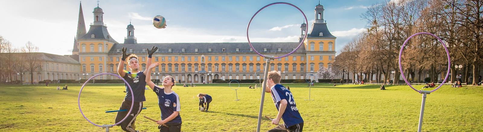 Quidditch-Spiel auf der Bonner Uniwiese
