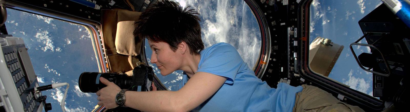 Die Astronautin Samantha Cristoforetti an Bord der ISS im Februar 2015.