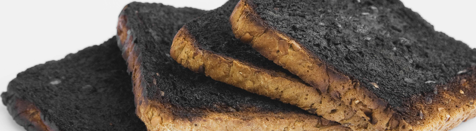 Verkohltes, verbranntes Brot
