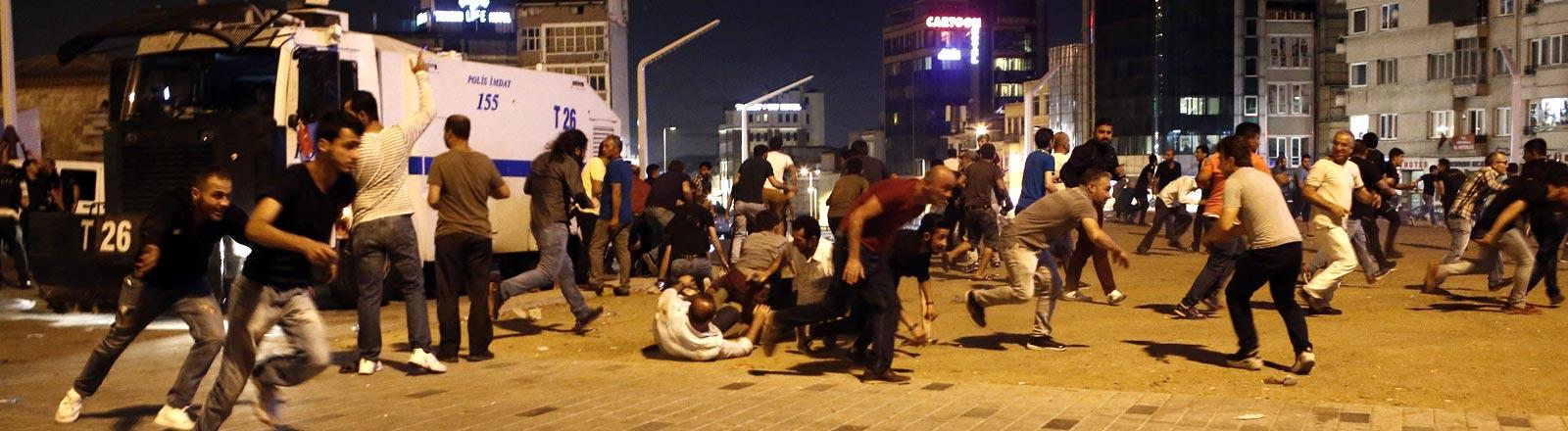 Tumultartige Zustände auf den Straßen