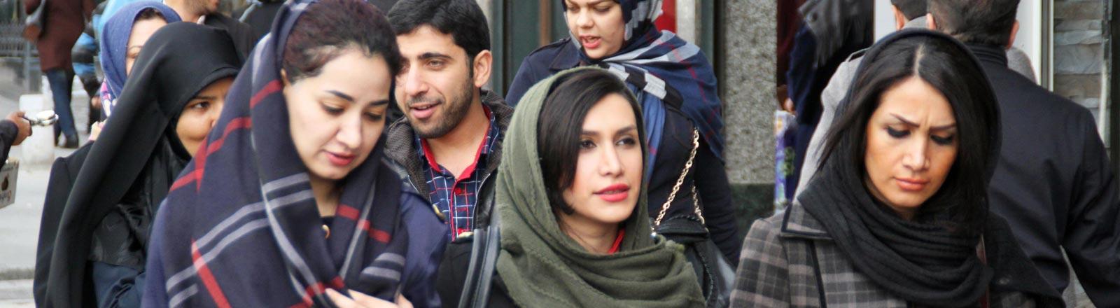 Frauen mit Hijab im Iran.