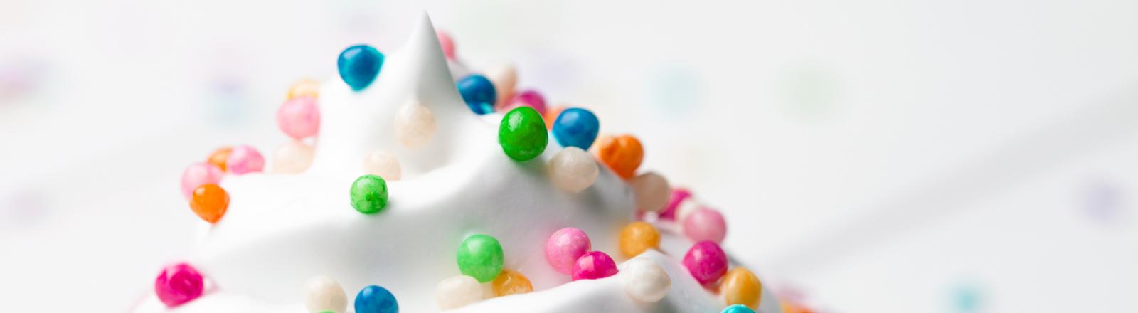 Zuckerguss mit Zuckerperlen