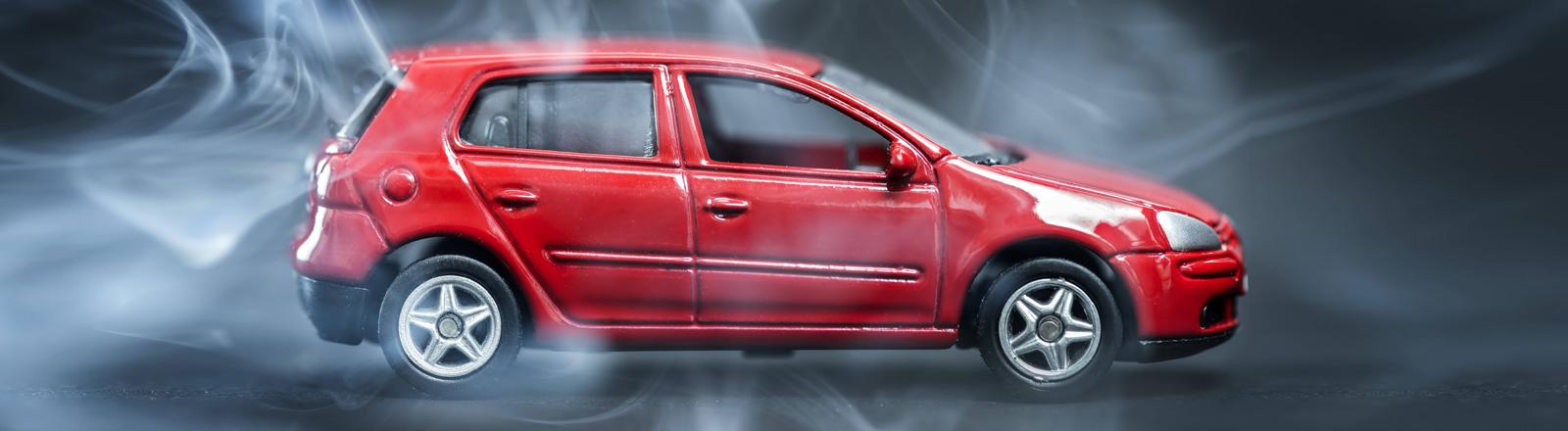 Symbolbild für den VW-Abgas-Skandal mit einem Golf.