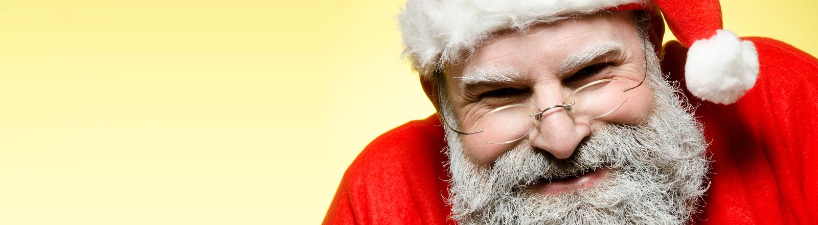 Ein etwas fies guckender Weihnachtsmann.