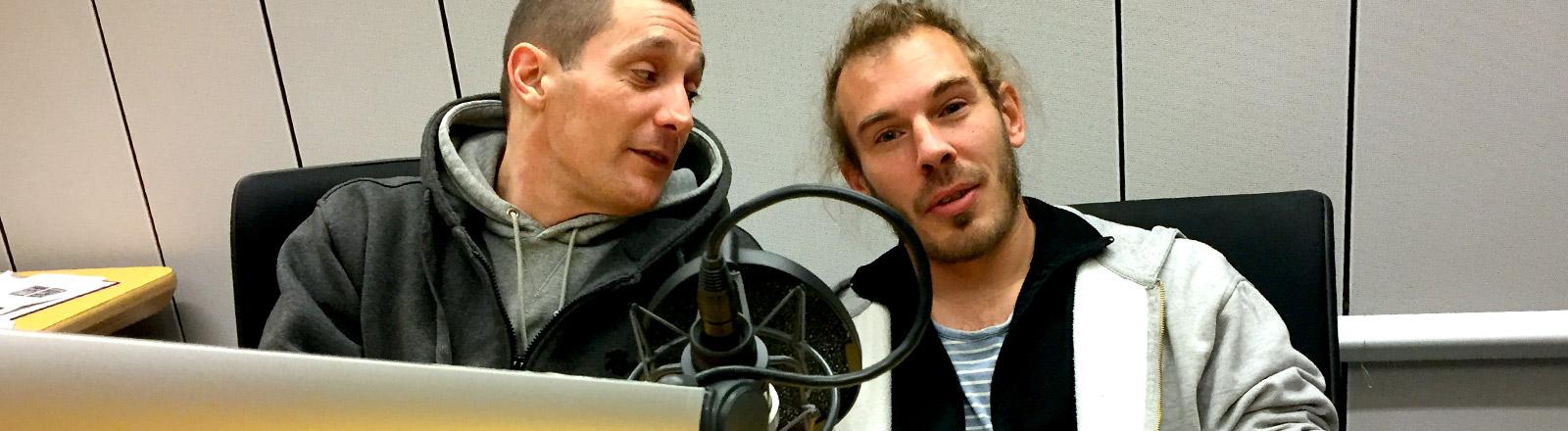 $ick und Paul Lücke  im Studio von DRadio Wissen.