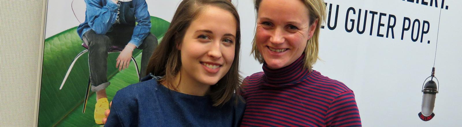 Alice Merton im DRadio-Wissen-Studio mit Steffi Orbach.