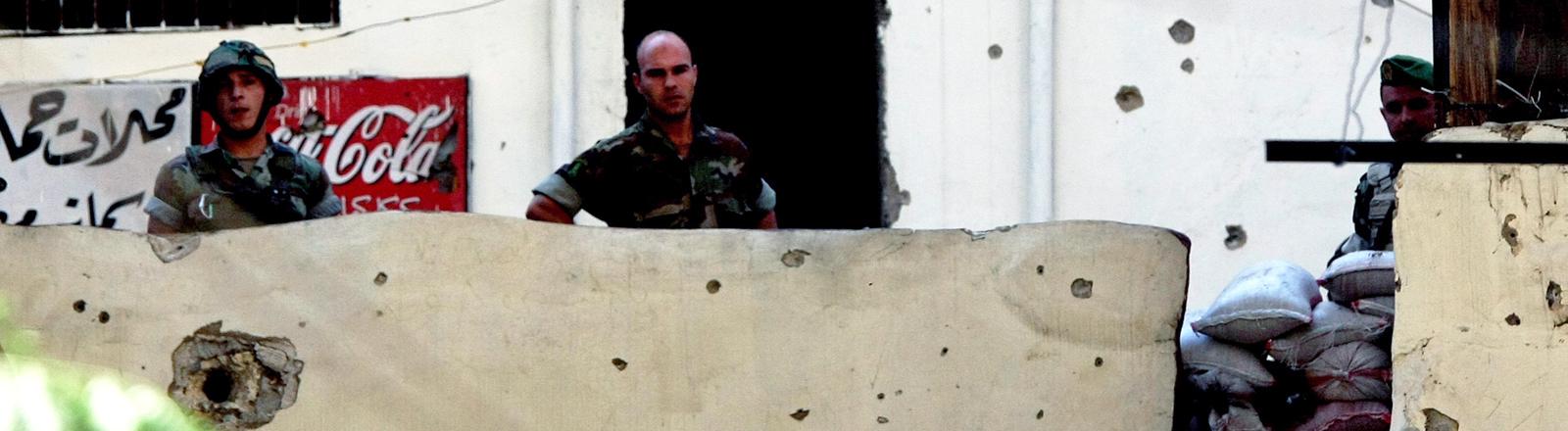 Männer in der libanesischen Stadt Tripoli